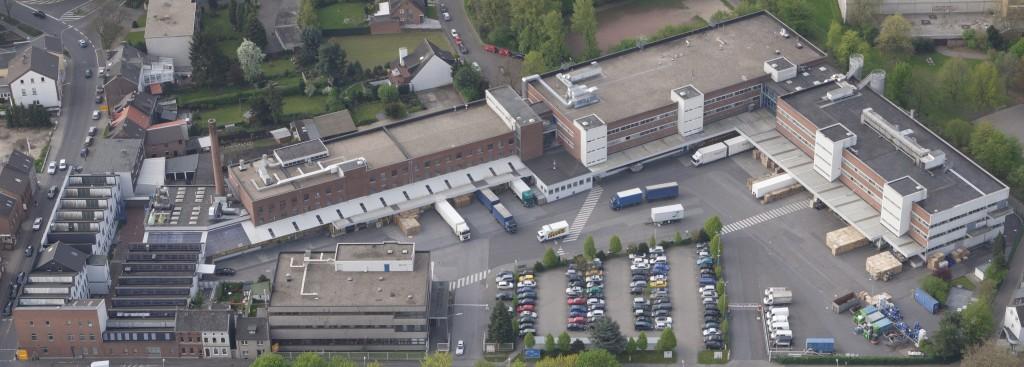 Luftaufnahme des Werks von Henkel Schwarzkopf in Dülken